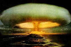 ファイル:Explosion-nuke.jpg