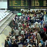 Fila-aeroporto.jpg