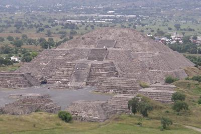 File:Mexico.Mex.Teotihuacan.PyramidMoon.01.jpg