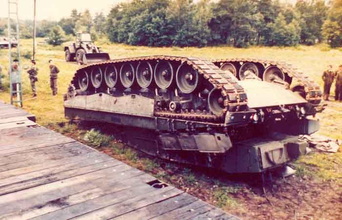 Image:01 Leopard 2 A4, Seedorf.jpg