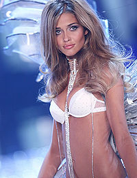 Ana-beatriz-barros-picture-1.jpg