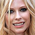 Teeth-avril-lavigne-400a071807.jpg