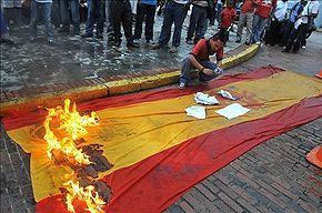 Panama-indigenous-flagburning.jpg