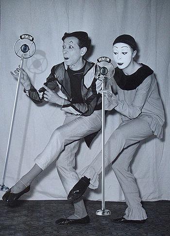Mimes silent radio