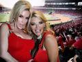 Vicky Vette e súa moza lesbiana.jpg