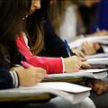 Estudantes na prova.jpg