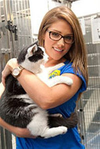 Lucy Pinder at Cats Protection.jpg