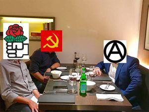 Esquerda política nun restaurante.jpg