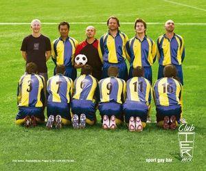 Equipo de fútbol gay.jpg