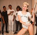 Miley Citrus toliña.jpg