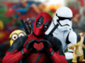 Deadpool e Nines gustando.png