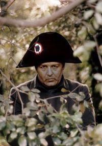 Napoleón che observando.jpg