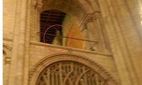 Cathedral de Norwich con pantasma de bispo.jpg