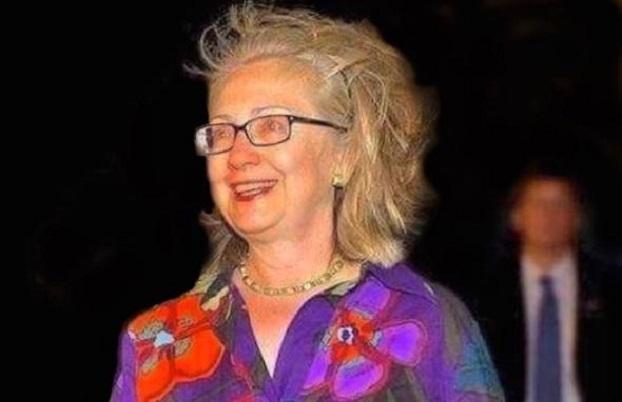 Ficheiro:Hillary-clinton-hair.jpg