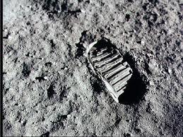 月面の足跡.jpg