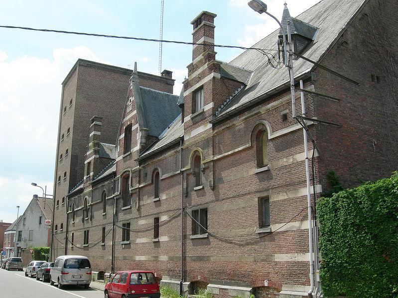 Bestand:Mechelen Polderstraat-Versailles.jpg