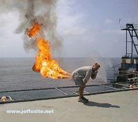 Kentut mengeluarkan gas metana yang bersifat boleh membakar