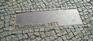 soldaat berlijnse muur