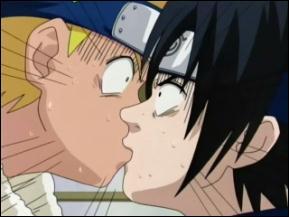 Sasuke ¬¬ + grande teoria Beijo_Naruto_Sasuke
