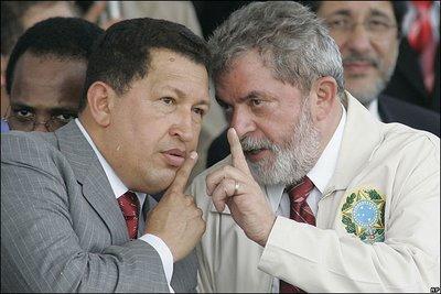 Arquivo:Lula Chávez cala a boca.jpg