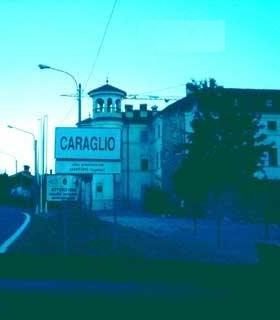 Arquivo:ItaliaCasadoCaraglio.jpg