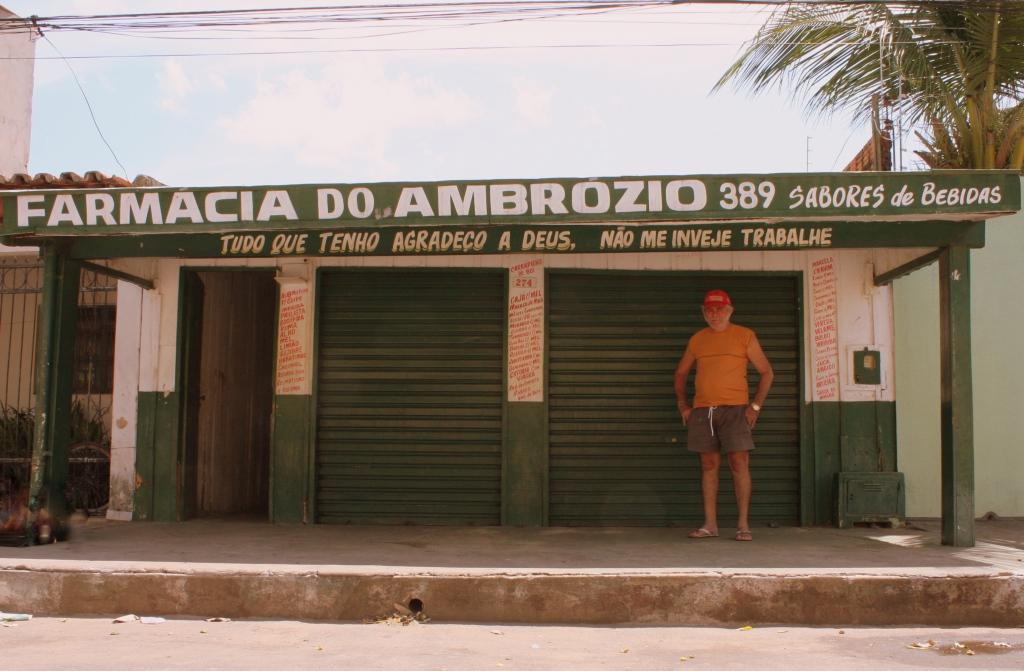 ESSA FARMÁCIA MERECE SER COLOCADA EM DESTAQUE! FARMÁCIA DO AMBRÓZIO, O CANTINHO MAIS GOSTOSO DA CIDADE!!!