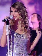 Taylorswiftlive2009.jpeg