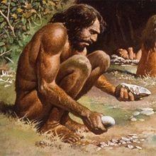 Neandertal, reunindo máximo de capacidade intelectual para construir uma simples ferramenta.