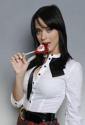 Katy chupa33.jpg