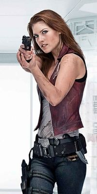 Claire Redfield - Desc... Tom Cruise