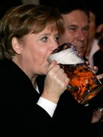 Angela Merkel amiga da night de dilminha.jpg