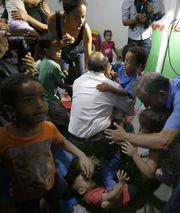 Alckmin derrubando criança.jpg