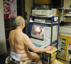 โอตาคุแก่ๆคนนึง ซึ่งคาดว่าคงหาเจอได้ง่ายมากในประเทศยุ่นปี่