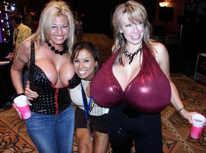 Chelsea charms e miguxas.jpg