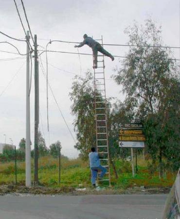 Imagem:Eletricista-louco.jpg